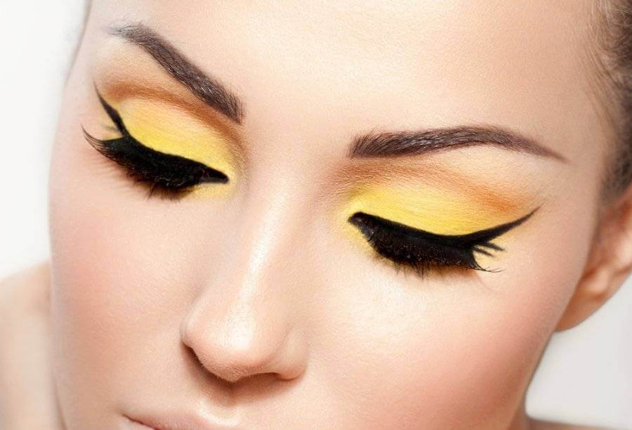 tendencia del look amarillo